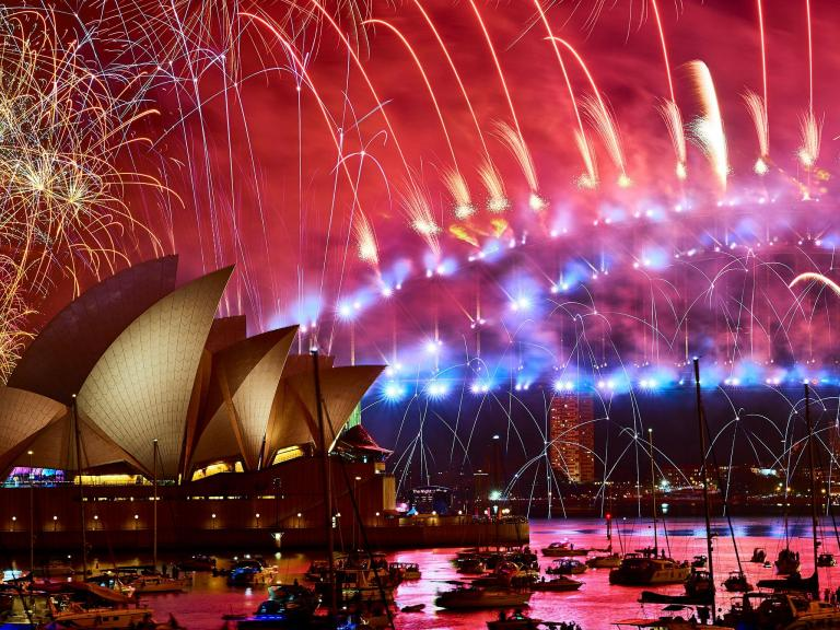 fireworks-sydney-new-years-eve-2018.jpg