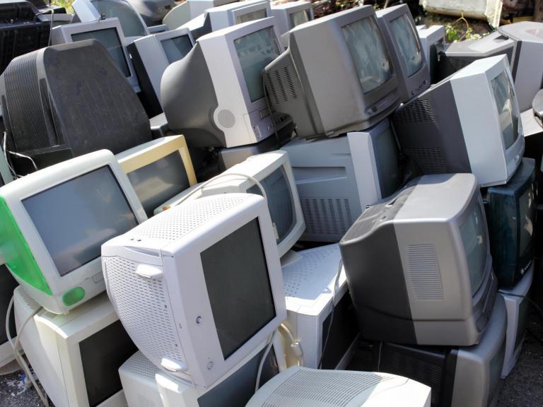 old-tvs-junk.jpg