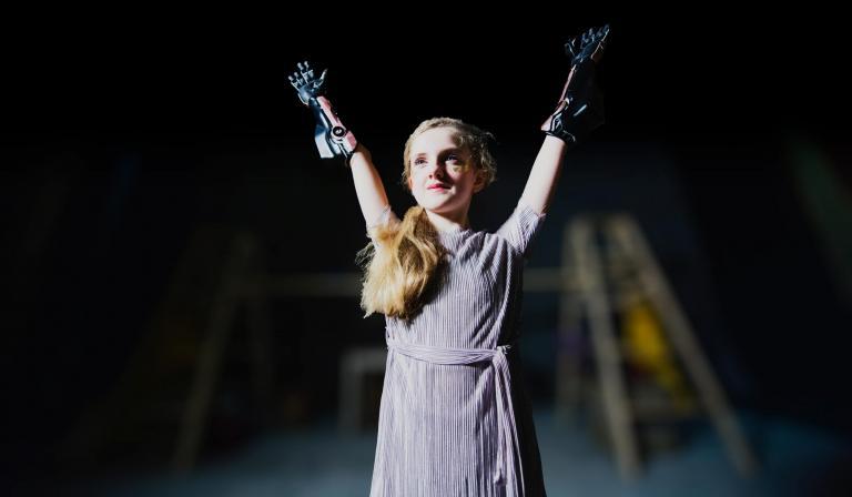 open-bionics-f1-williams-hero-arm.jpg