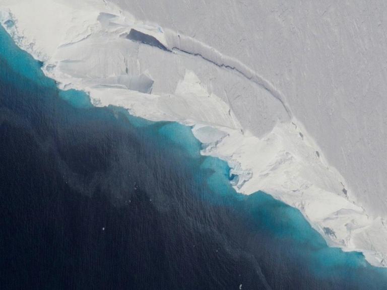 antarctic-crater.jpg