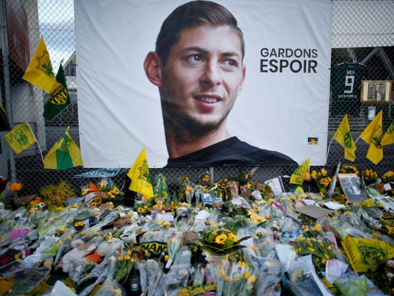 Emiliano Sala: Cardiff and Nantes agree extension for first ¬6m transfer payment