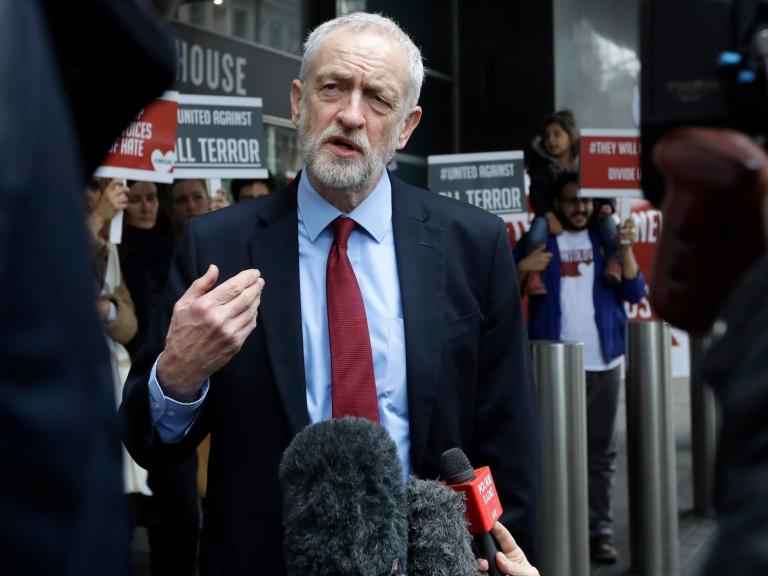 Jewish Labour group to hold no-confidence vote in Corbyn as antisemitism row deepens