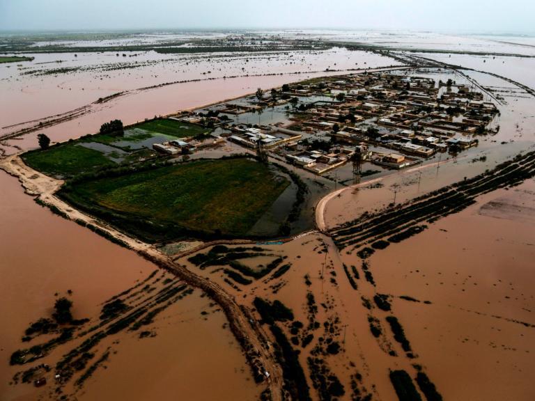 iran-floods.jpg