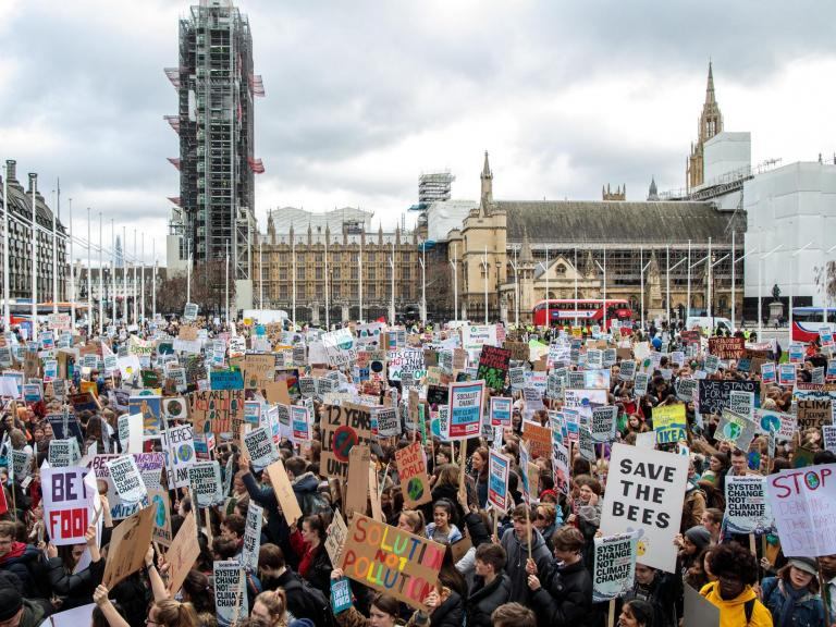 Green New Deal: Cross-party bill demands net-zero emissions by 2030