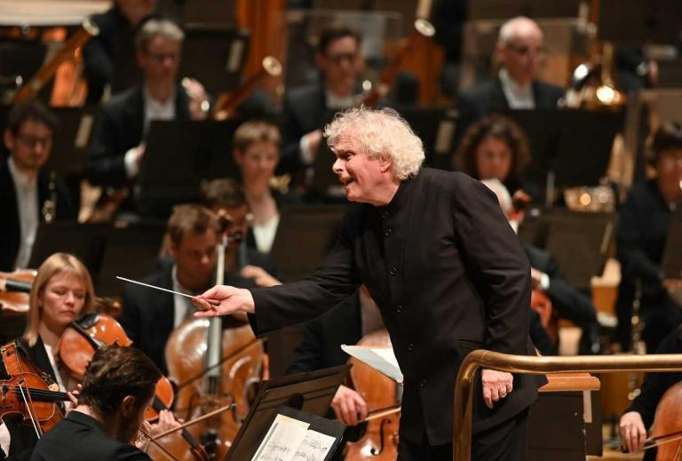Christus am Olberge review, London Barbican: Simon Rattle leads gutsy performance of Beethoven's oratorio