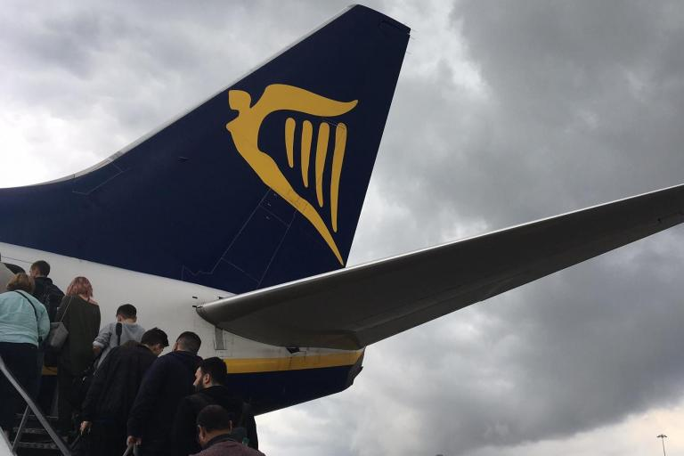Ryanair advertises jobs for those with 'right to live and work in EU'