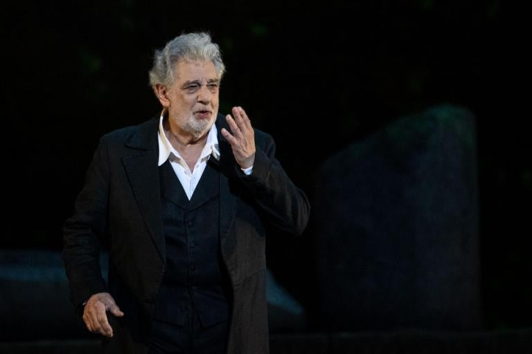 Placido Domingo: Opera star apologises to women after string of sexual harassment claims