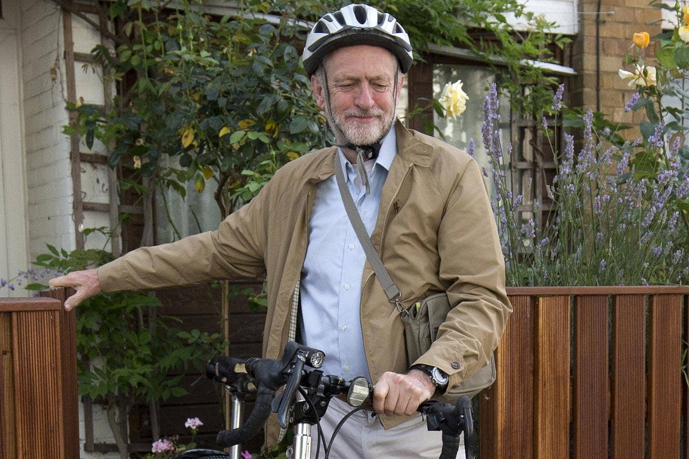 Corbyn è un grande ammiratore di Fidel castro che ritiene un campione di giustizia sociale.