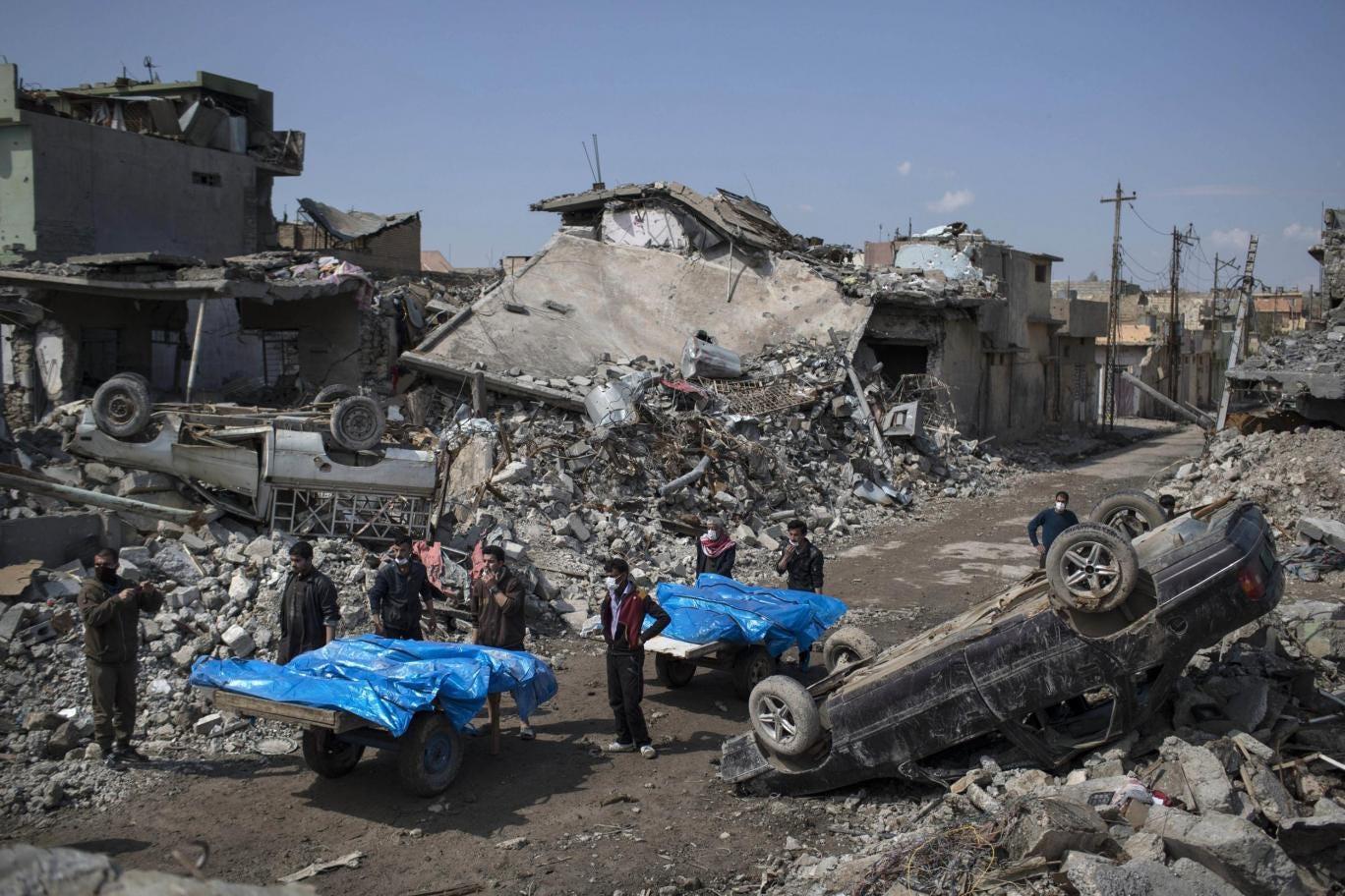 """EUA admitem 'provável' envolvimento da coalizão em morte de """"mais de 130 civis"""" em Mossul no Iraque"""