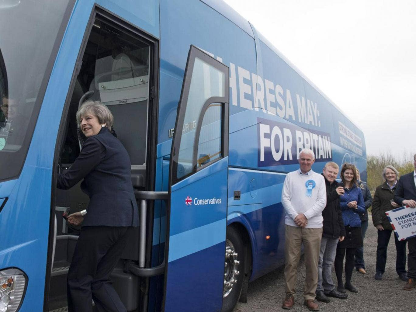 Favourite one-liners - Page 2 Theresa-may-battlebus
