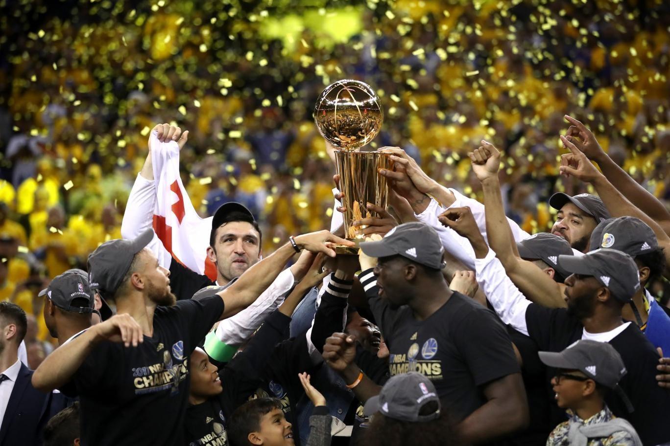 Pagaron más de 130.000 dólares para ver el quinto juego de Warriors – Cavaliers