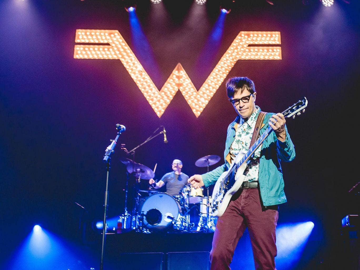 Weezer Interview Pacific Daydream Is A Big Step Forward Into