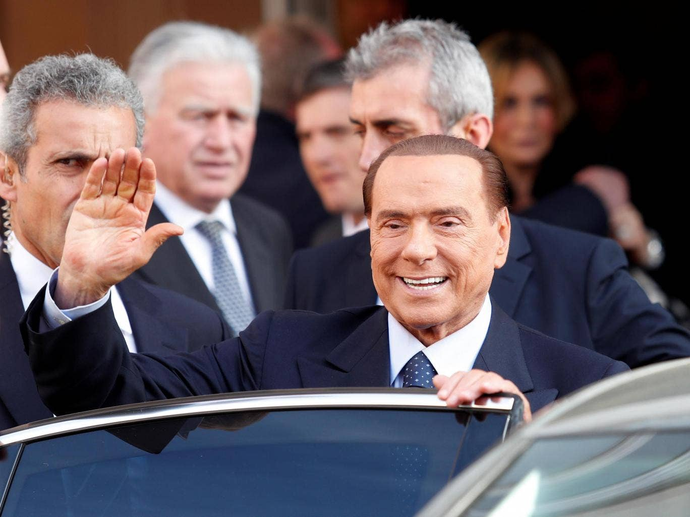 Silvio Berlusconi wants to marry a girl who is almost 50 years younger than him 25.09.2013 20
