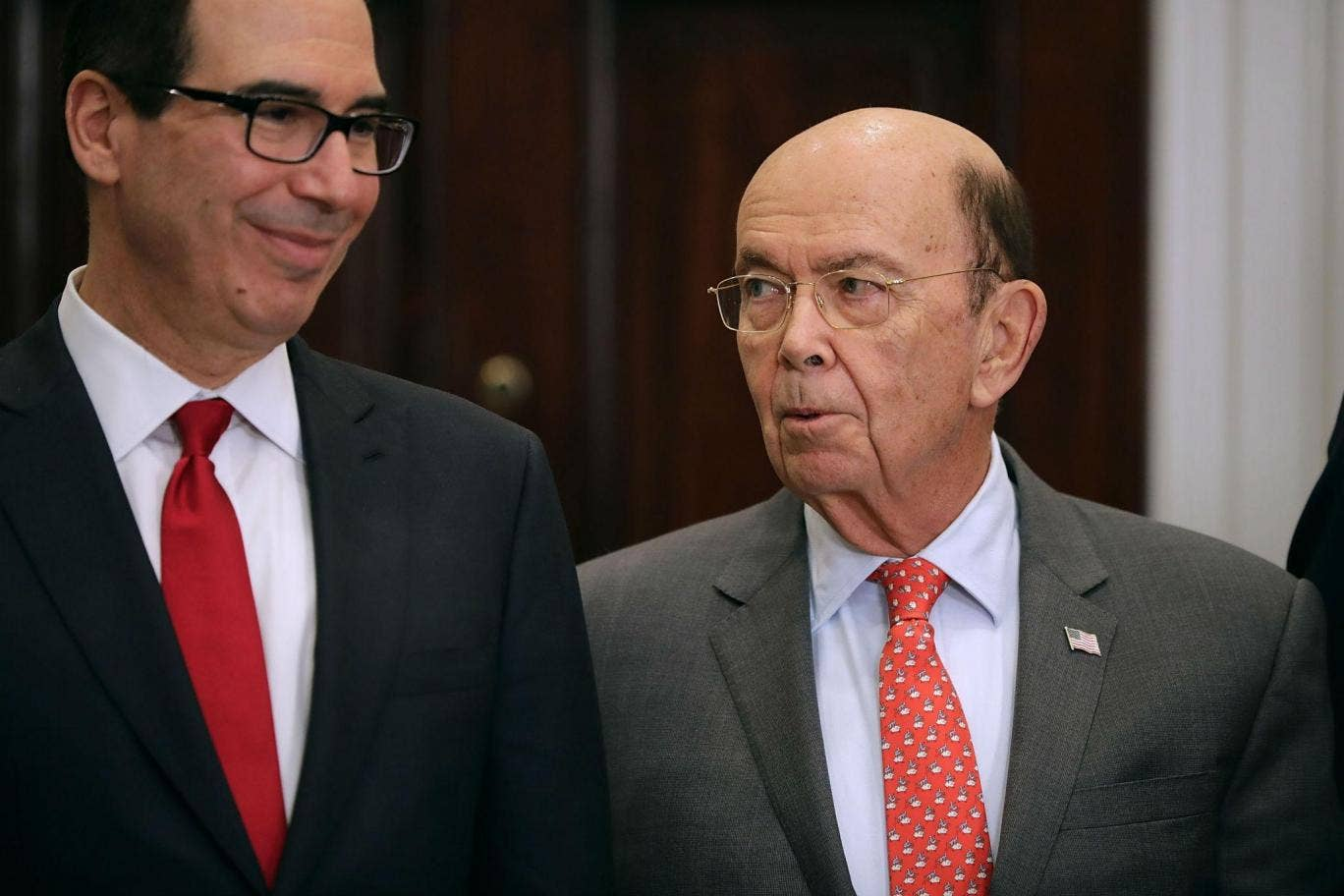 White House Confirms Larry Kudlow Will Become Trumps New Chief Tendencies Short Shirts Basic Long Collar Less Putih M Trump May Link Steel Tariff Exemptions To Nato Spending Says Mnuchin
