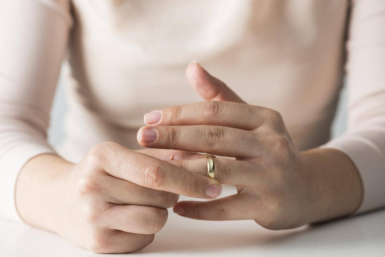 popsugar ring pregnancy fashion piercing wedding rings engagement trend