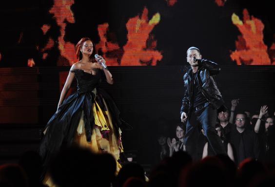 Rihanna-Eminem-2011.jpg