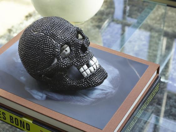 skullphone.jpg