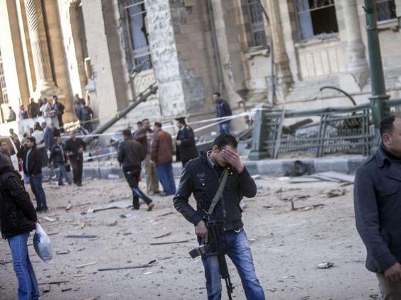 cairo-police-bomb2.jpg