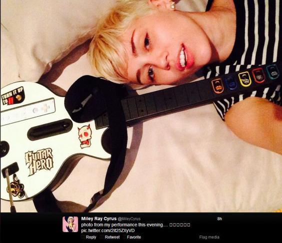 Miley-Cyrus-Twitter.JPG