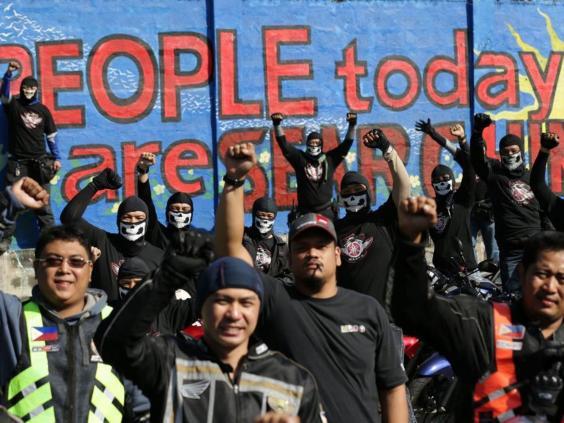 protestorsEPA.jpg