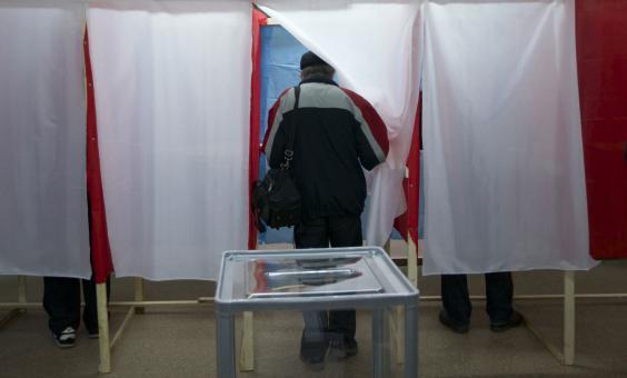 crimea-polls.jpg