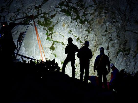 caver-rescue-2.jpg