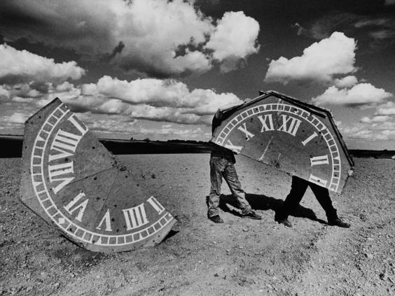 27-Clock2-Alamy.jpg