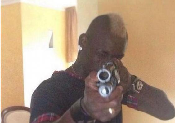 Balotelli-gun-Instagram.JPG