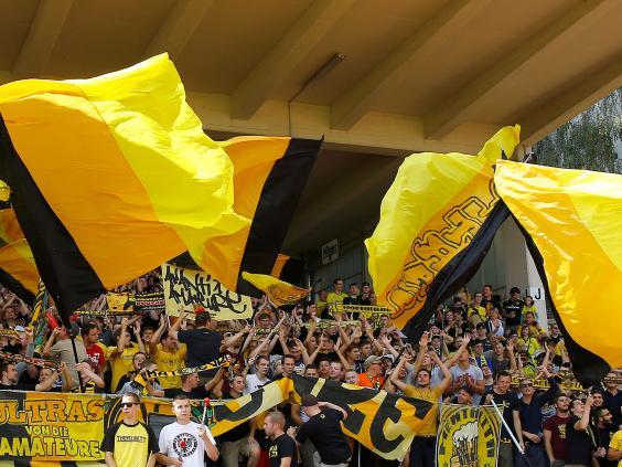 Borussia-Dortmund-fans.jpg
