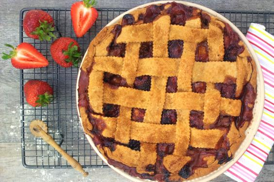 Rhubarb-Strawberry-Banana-Pie-v800.jpg
