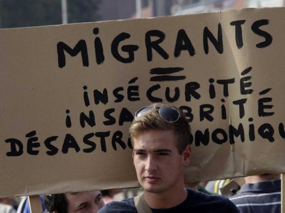 migrants-calais-ap.jpg