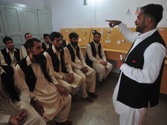 Pakistani_men_who_worked_under_Taliban1.jpg