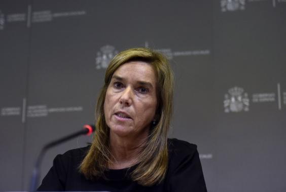 AN53805303Spanish Minister .jpg