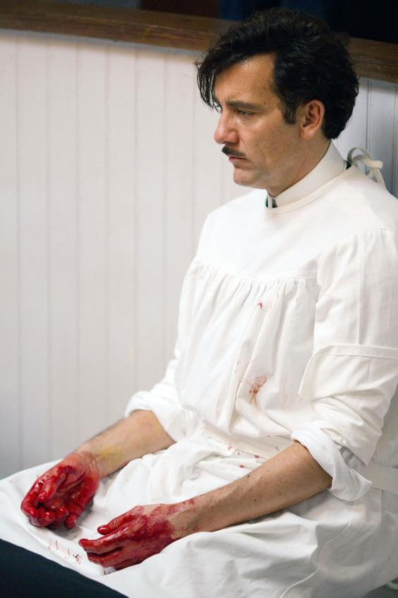 Clive-Owen-in-The-Knick_1.jpg