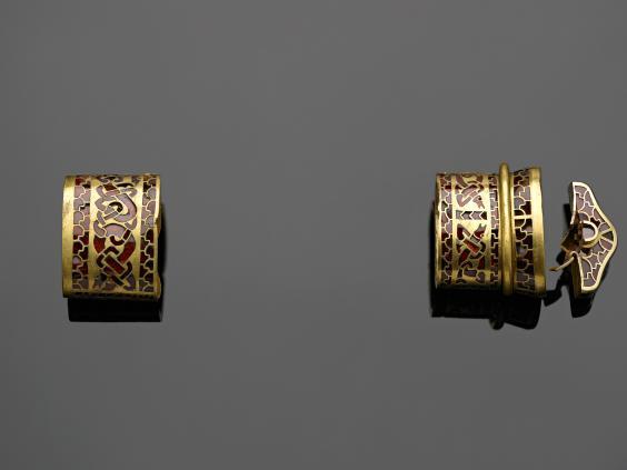 Saxon-gold-5.jpg