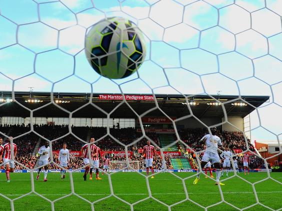 Wilfried-Bony-of-Swansea-City-scores-the-first-goal-from-the-penalty-spot.jpg