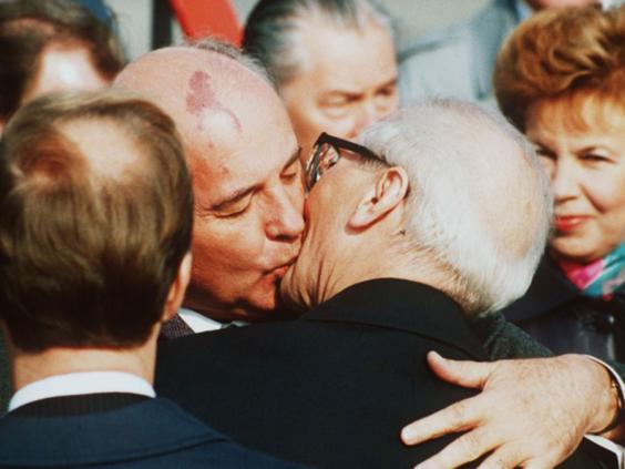 29-Gorbachev.jpg