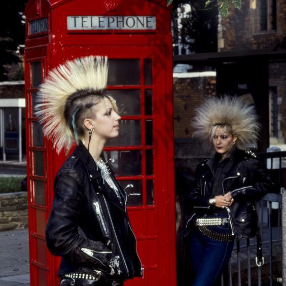 Female_Punks_London_1980s.jpg