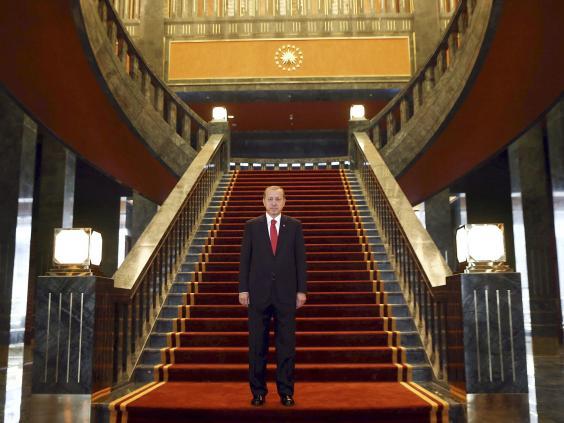 presidential-palace-Turkey-2.jpg