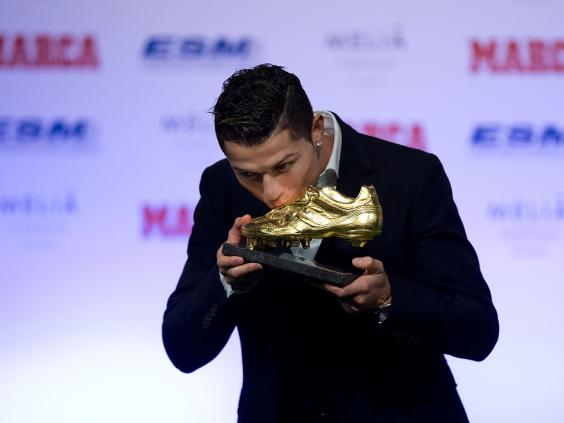 Cristiano-Ronaldo-golden-boot.jpg