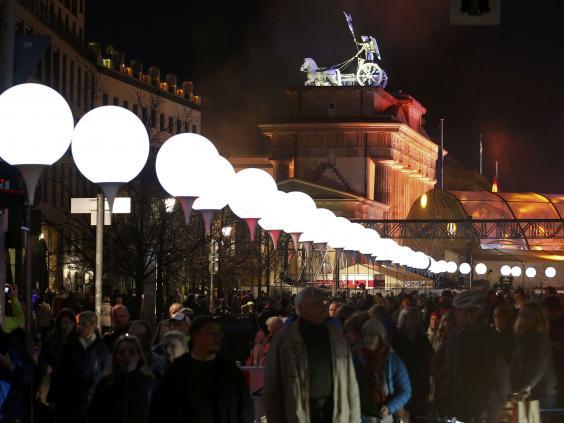 Berlin-balloons-REUT.jpg