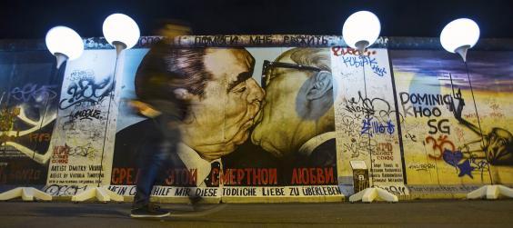 Berlin-wall-banner-REUT.jpg
