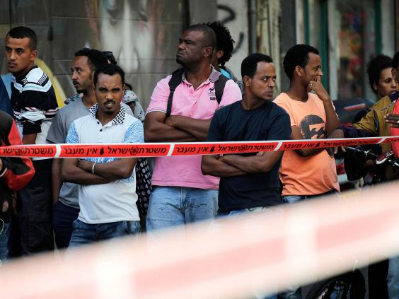 23-Onlookers-Reuters.jpg