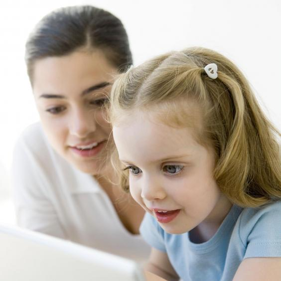 Mother_and_daughter_on_computer2.jpg