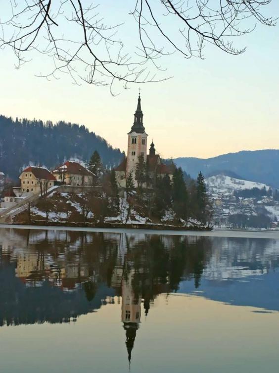 ski_church_ingram.jpg