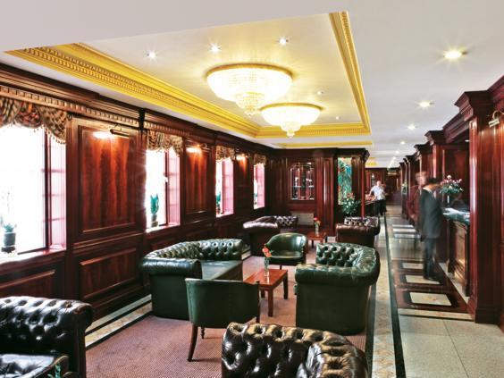 Fitzrovia_Omega_Lounge_Bar.jpg
