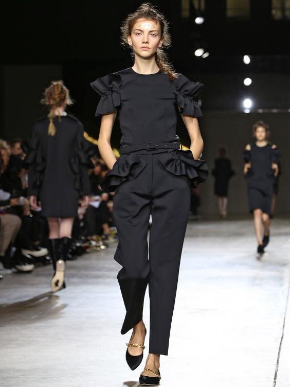 Simone-Rocha-show-at-London-Fashion-Wee.jpg