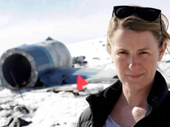 air new zealand flight 901 essay Erebus crash: myths and reality 14:43, jan 31 the final waypoint for the antarctic flights was changed by air new zealand's flight operations section from the.