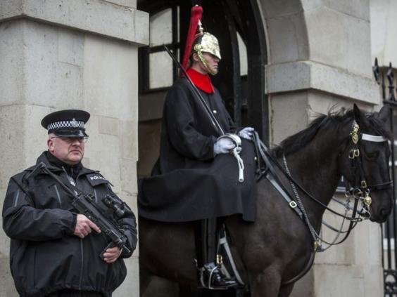 Police-guarding-soldiers.jpg
