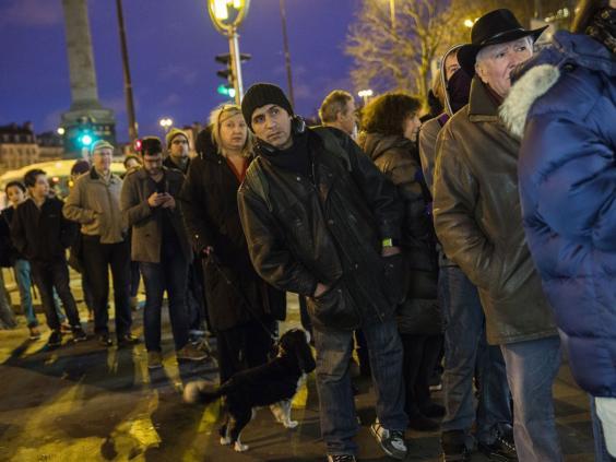 Charlie-Hebdo-queues.jpg
